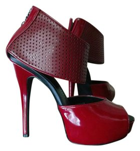 Rock & Republic Stiletto Textured red Platforms