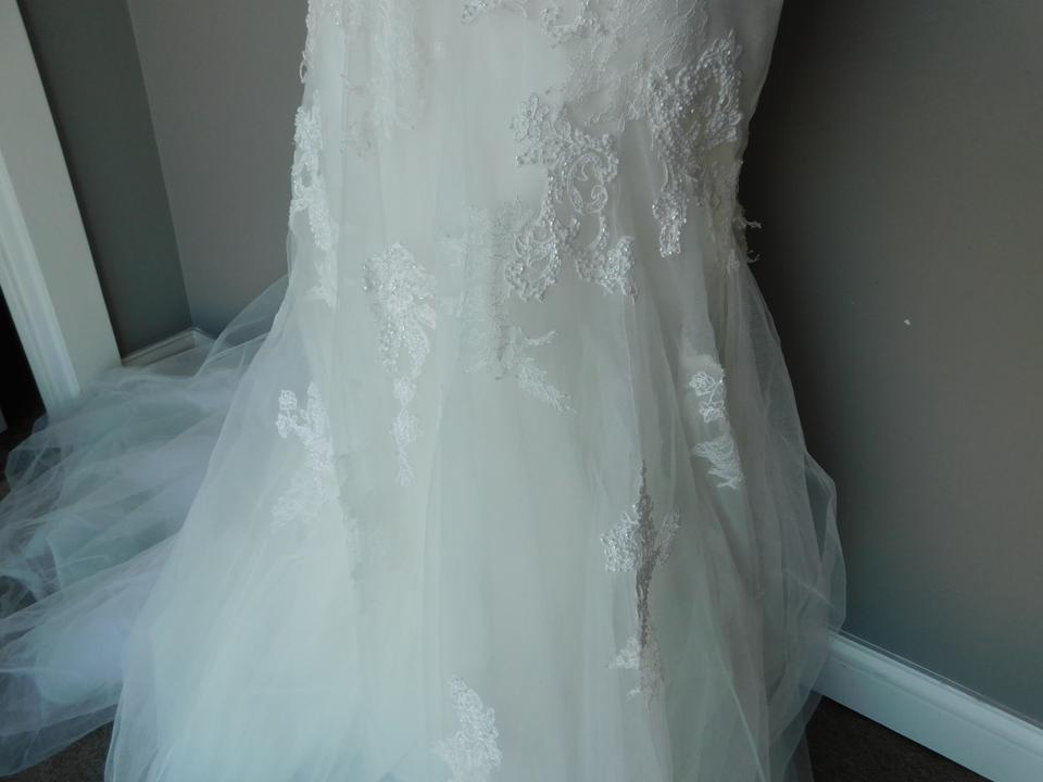 Pronovias Off-white Lace and Tulle Bice Wedding Dress Size 10 (M ...
