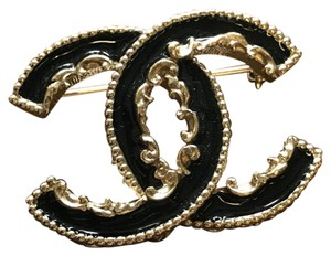 Chanel Chanel CC Filigree Enamel Brooch