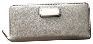 Marc by Marc Jacobs Slim Zip around Leather Wallet