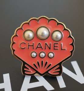 Chanel Runway Cuba Collection Gold Metal Seashell Brooch/Pin