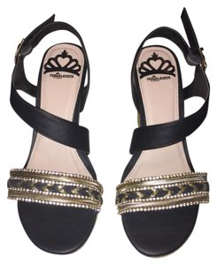 Fergalicious by Fergie Black/Gold Wedges