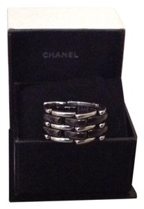 Chanel Chanel Ultra Ceramic 18k white gold flex ring T48