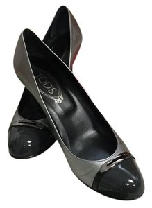 Tod's grey and silver Pumps