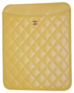 Chanel CLASSIC QUILTED LAMBSKIN IPAD TABLET TECH CASE