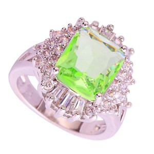 9.2.5 Gorgeous green amethyst and white topaz huge cocktail ring size 8