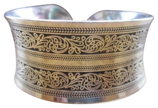 Preload https://img-static.tradesy.com/item/21461131/silver-plated-european-metal-vintage-tibetan-women-s-bracelet-0-1-540-540.jpg