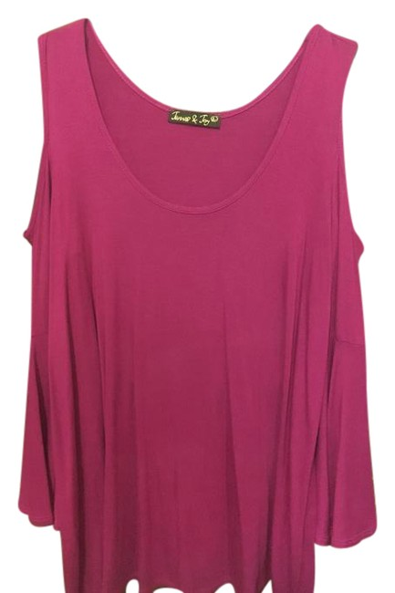 Preload https://img-static.tradesy.com/item/21461199/raspberry-cold-shoulder-tee-shirt-size-12-l-0-1-650-650.jpg