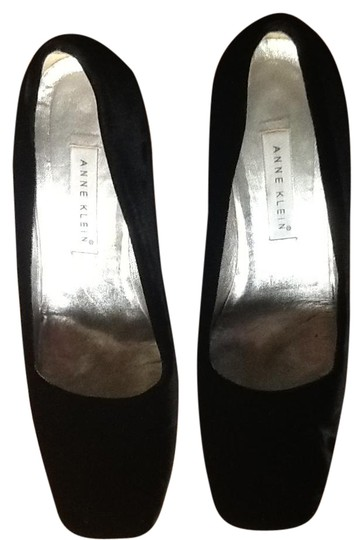 Preload https://img-static.tradesy.com/item/21461256/anne-klein-black-velvet-formal-shoes-size-us-95-regular-m-b-0-1-540-540.jpg