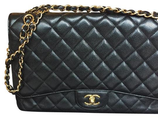 Preload https://img-static.tradesy.com/item/21461882/chanel-classic-maxi-black-caviar-leather-shoulder-bag-0-1-540-540.jpg