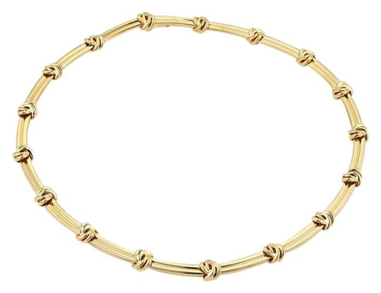 Preload https://img-static.tradesy.com/item/21462463/tiffany-and-co-yellow-gold-love-knot-grooved-link-choker-necklace-0-1-540-540.jpg