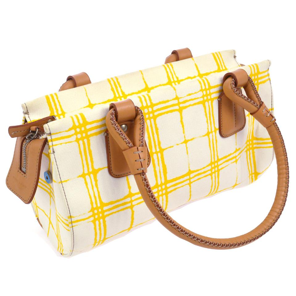 fa2df55707a5 Burberry Bags - Up to 90% off at Tradesy