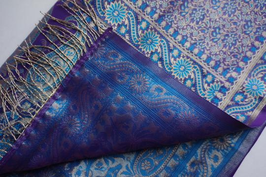 made in India Scarf 100% Silk. Image 2