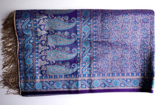 made in India Scarf 100% Silk. Image 3