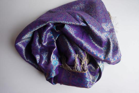 made in India Scarf 100% Silk. Image 4
