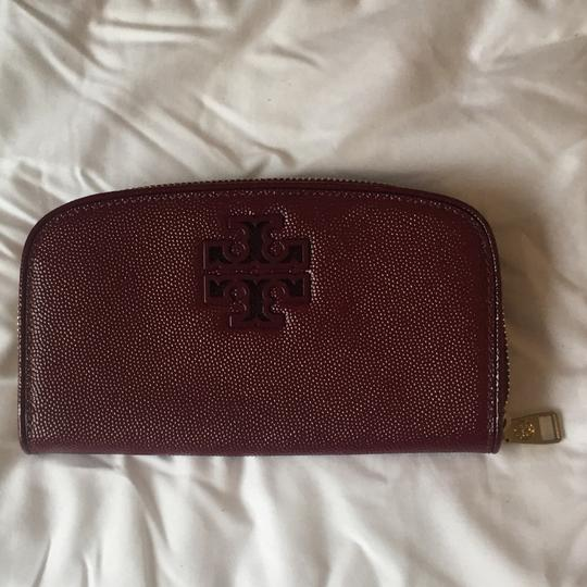 Tory Burch Double T Curved Wallet Image 1