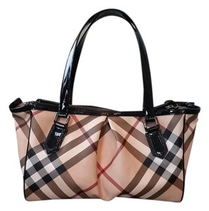a7aa73e2e52b Burberry Bags - Up to 90% off at Tradesy