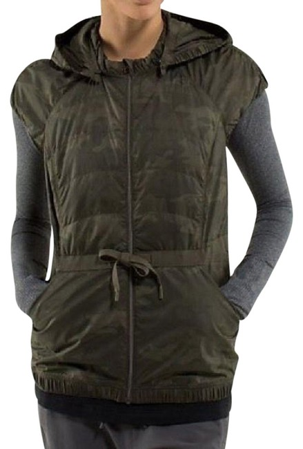Item - Green Camo Spring Fling Puffy Vest Size 6 (S)