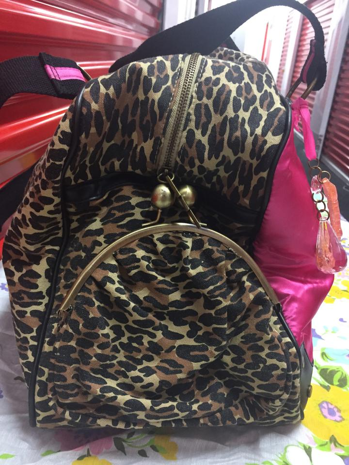 ab154cf51be2 Betseyville by Betsey Johnson Marilyn Monroe's Face And Shocking Pink Black  Leopard Print Canvas Satin Weekend/Travel Bag