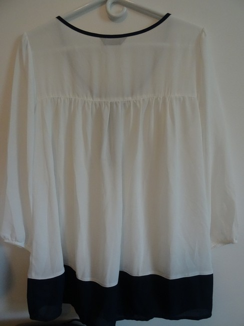 sjs Top white with navy blue trim Image 1