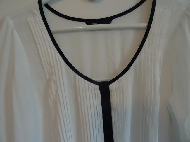 sjs Top white with navy blue trim Image 2