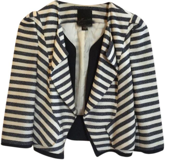 Preload https://img-static.tradesy.com/item/21467299/mcginn-navy-off-white-striped-cropped-spring-jacket-size-8-m-0-1-650-650.jpg