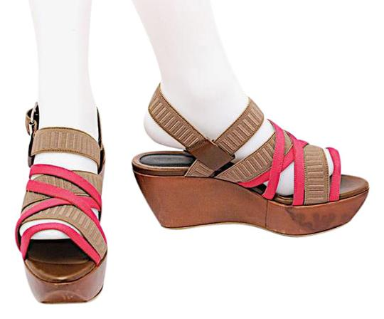 Preload https://img-static.tradesy.com/item/21467306/marni-taupe-and-hot-pink-taupehot-leather-backed-stretch-strap-sandals-platforms-size-us-9-regular-m-0-1-540-540.jpg