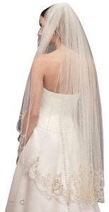 David's Bridal Ivory Medium (Never Worn) Fingertip - with Embroidery Veil