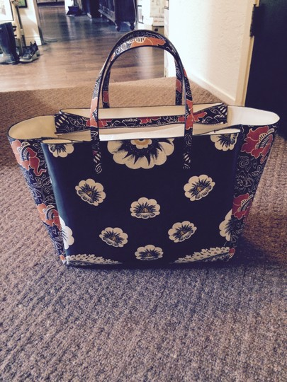Valentino Tote in green red mixed floral Image 1