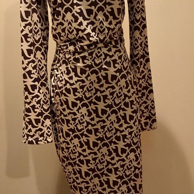 Item - Brown/Cream Dvf Silhouette Mid-length Night Out Dress Size 8 (M)