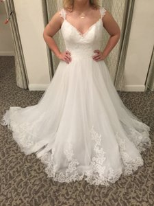 Maggie Sottero Ivory Lace & Tulle Crystal Vintage Wedding Dress Size 14 (L)