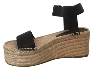 f63eafa71f3 Vince Sandals - Up to 90% off at Tradesy