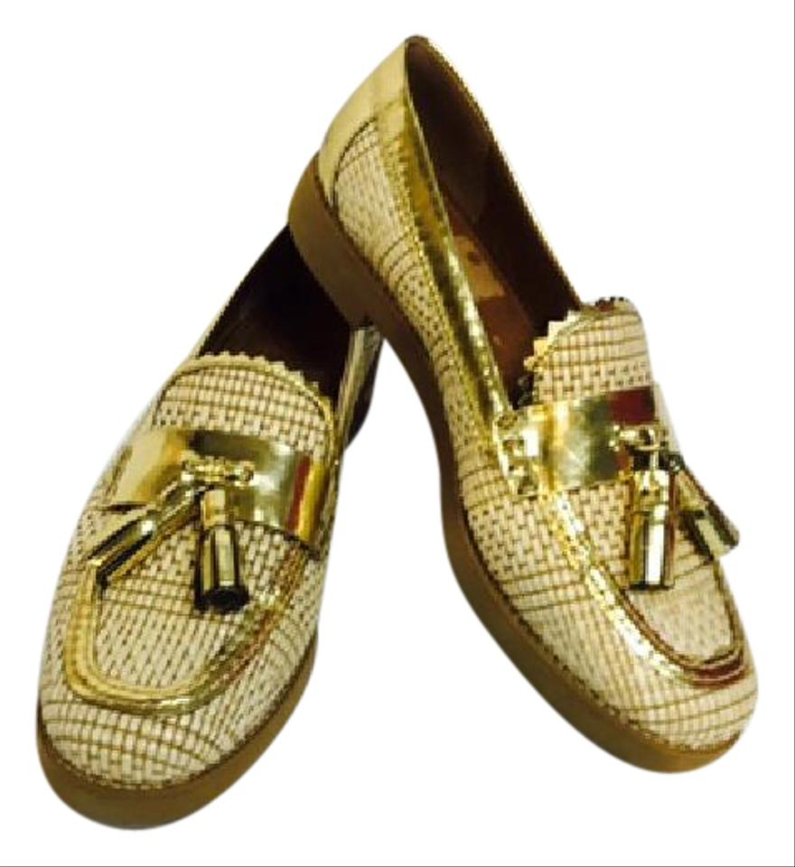 how to wear gold loafers
