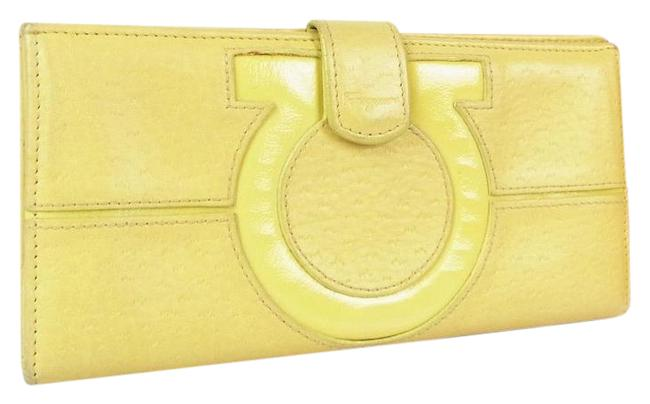 Item - Pale Yellow Patent Leather & Leather Vintage Wallet/Designer Wallet