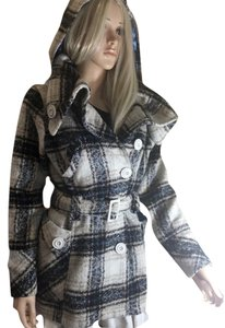 DOLLHOUSE Coat