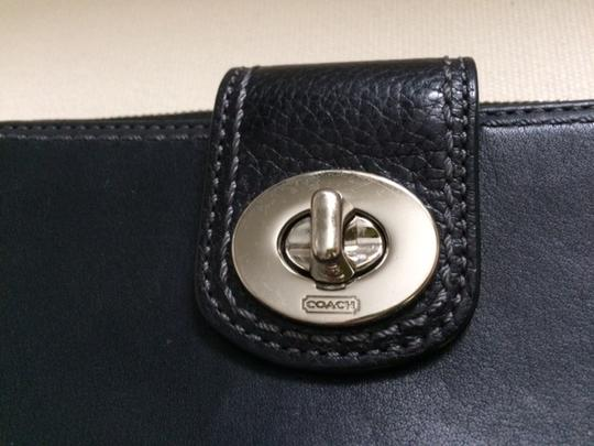 Coach Coach Black Wallet w/Zip Around Pocket