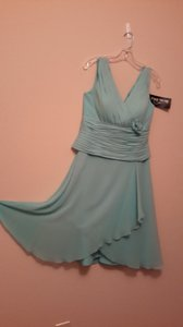 Daymor Couture Azure Silk Formal Bridesmaid/Mob Dress Size 8 (M)