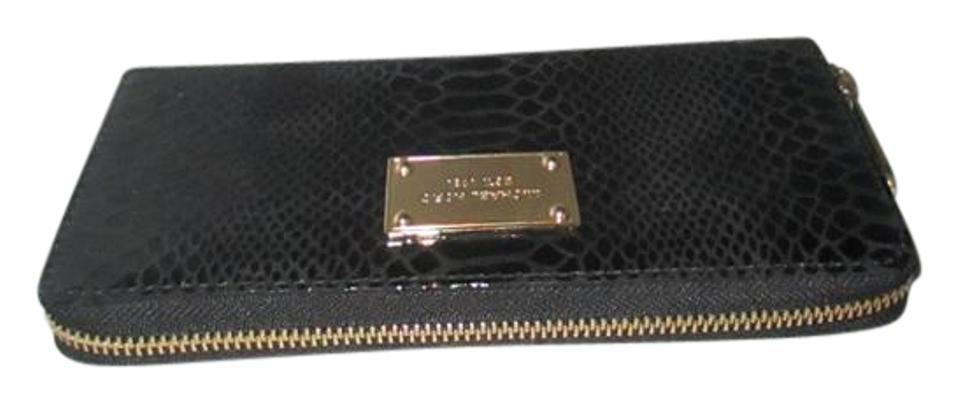 366283938e944 Michael Kors Jet Set Embossed Python Patent Leather Zip Around Continental  Wallet Image 0 ...