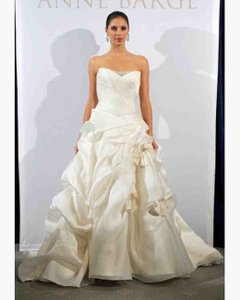 Anne Barge Ivory Silk Sample Destination Wedding Dress Size 4 (S)