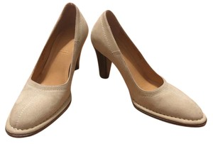 Bally Suede Classic Neutral (slight olive tone) Pumps