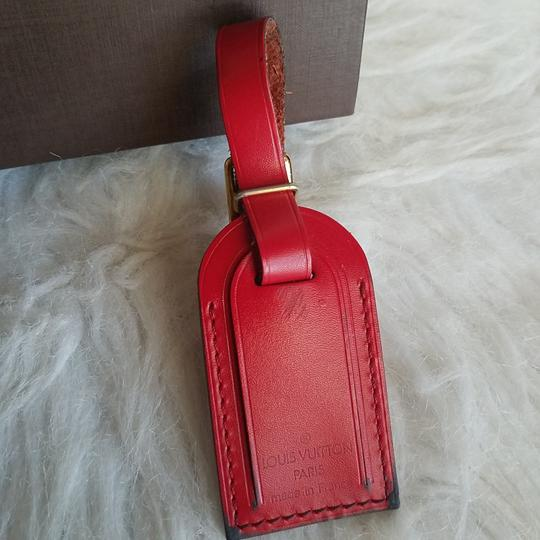 Preload https://img-static.tradesy.com/item/21483764/louis-vuitton-luggage-name-tag-pm-small-size-red-leather-0-2-540-540.jpg