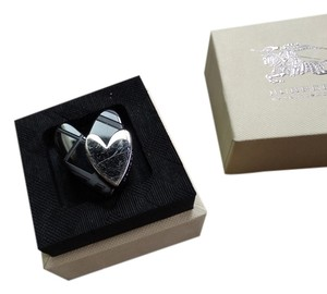 Burberry Burberry Engraved Check Heart Ring