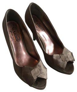Unlisted by Kenneth Cole Silver, Gray, Grey Pumps