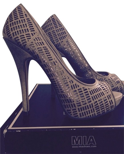Mia Shoes Stone Platforms