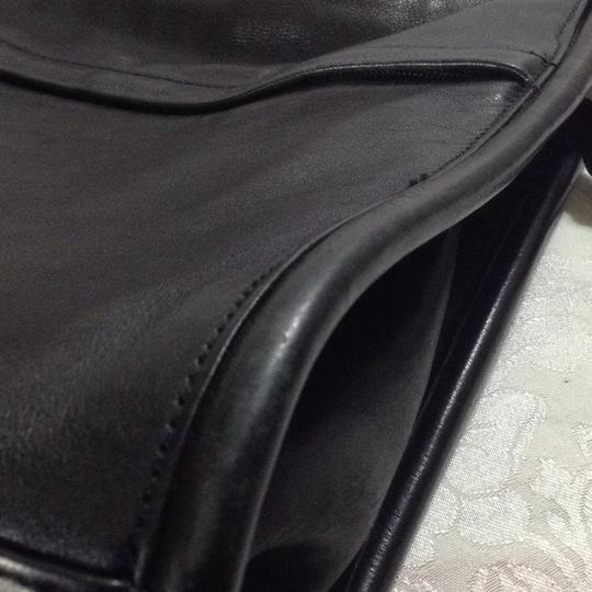 Lord & Taylor Old Leather Vintage Cross Body Bag Image 9