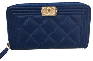 7a93e5e63d5f Chanel Boy Wallet - Up to 70% off at Tradesy