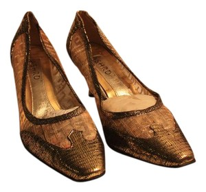 Ashro Vintage Formal Gold Pumps