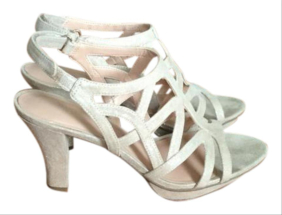 3ff67aac966a Naturalizer Golden Nude Comfort Platforms Size US 7 Narrow (Aa