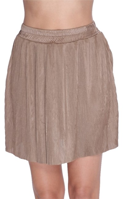 Preload https://item3.tradesy.com/images/forever-21-pleated-miniskirt-taupe-2150007-0-0.jpg?width=400&height=650