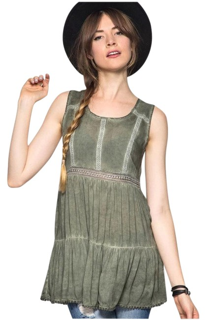 Preload https://item1.tradesy.com/images/olive-lace-tunic-size-12-l-21502200-0-1.jpg?width=400&height=650
